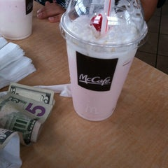 Photo taken at McDonald's by Ceren İ. on 9/18/2012