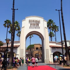Photo taken at Universal Studios Hollywood Globe and Fountain by Jorge C. on 7/28/2013