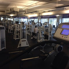 Photo taken at 24 Hour Fitness by Shoel S. on 4/12/2014