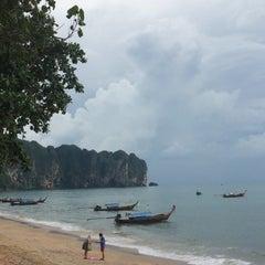 Photo taken at White Sand Krabi Resort by Napat S. on 11/1/2014