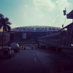 Photo taken at Jalan Sultan Iskandar Muda (Arteri Pondok Indah) by Ari W. on 5/14/2015