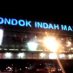 Photo taken at Jalan Sultan Iskandar Muda (Arteri Pondok Indah) by Ari W. on 7/3/2014