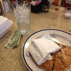 Photo taken at Bob Evans Restaurant by Jayi K. on 3/3/2013