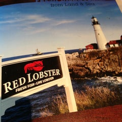 Photo taken at Red Lobster by Matthew on 7/25/2013
