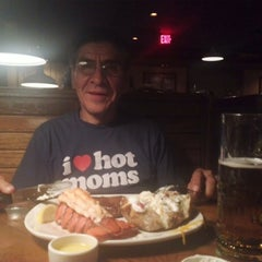 Photo taken at Outback Steakhouse by Ana A. on 3/11/2013