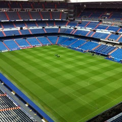Photo taken at Estadio Santiago Bernabéu by J D. on 4/29/2013