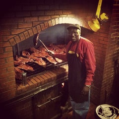 Photo taken at Dreamland Bar-B-Que Ribs by Jesse Z. on 4/20/2013