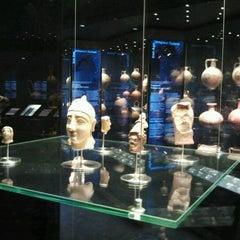 Photo taken at Μουσείο Κυκλαδικής Τέχνης (Museum of Cycladic Art) by Nadya on 3/20/2013