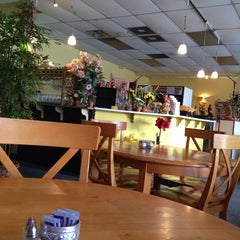 Photo taken at Siamese Thai Restaurant by Tim S. on 7/25/2014