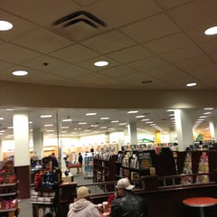 Photo taken at Barnes & Noble by Wendy D. on 12/22/2012