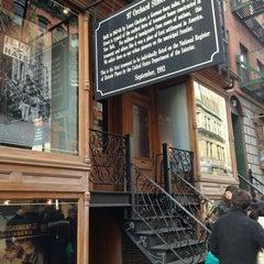 Photo taken at Lower East Side Tenement Museum by Jody S. on 2/2/2013
