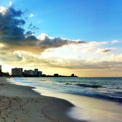 Photo taken at Isla Verde Beach - Balneario Isla Verde (La Playa) by Raul C. on 9/21/2012