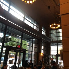 Photo taken at Sisters Coffee Company by Ambar on 11/9/2014