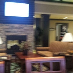 Photo taken at Staybridge Suites Chicago-Oakbrook Terrace by Bob S. on 10/14/2014