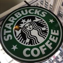 Photo taken at Starbucks by Aّmoُon on 9/15/2012