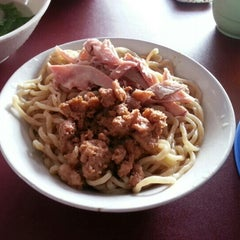 Photo taken at Bakmi karet planet by willys on 1/12/2013