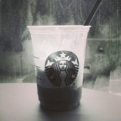 Photo taken at Starbucks (สตาร์บัคส์) by Prode P. on 8/3/2013