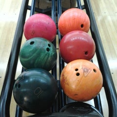 Photo taken at Spincity Bowling Alley by Retno A. on 9/28/2012