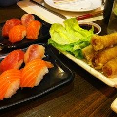Photo taken at Restaurante Japonés Fuji by Rafa M. on 3/7/2014