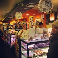 Photo taken at Sugar Sweet Sunshine by Olly S. on 12/1/2012