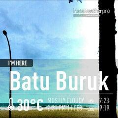 Photo taken at Pantai Batu Buruk by Shu Qi on 2/11/2013