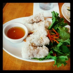 Photo taken at 9021Pho by Ben E. on 10/13/2012