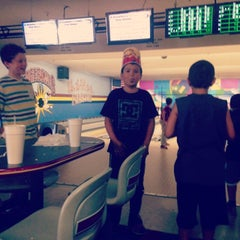 Photo taken at Gage Bowls by Sylvia S. on 6/28/2014