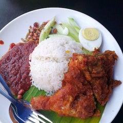 Photo taken at Village Park Restaurant by Syakira N. on 9/5/2013