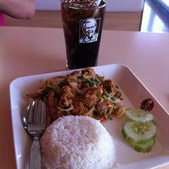 Photo taken at KFC (เคเอฟซี) by tammy on 5/29/2014