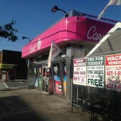 Photo taken at Carvel Ice Cream by Scott N. on 8/14/2013