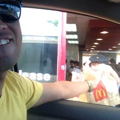 Photo taken at McDonald's by Lito M. on 7/20/2013