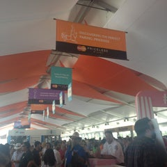 Photo taken at Food Network South Beach Wine & Food Festival by Carlos B. on 2/24/2013
