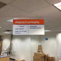 Photo taken at FedEx Office Print & Ship Center by SooFab on 9/20/2013