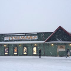 Photo taken at Olde Mistick Village Art Cinemas by Rex A. on 2/15/2014