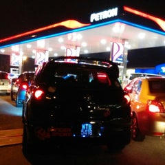 Photo taken at Petron Seri Kembangan by Tony T. on 2/28/2015