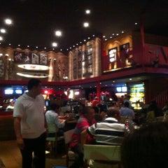 Photo taken at Five Sport Bar by Leopoldo M. on 5/18/2013