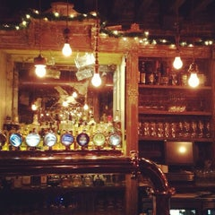 Photo taken at Fraunces Tavern by Chris P. on 12/18/2012