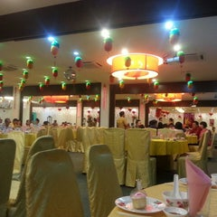 Photo taken at Regal House Restaurant Kepong Baru by Bm C. on 3/17/2013