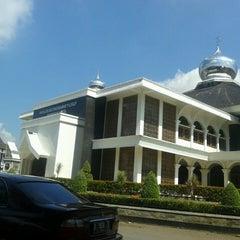 Photo taken at Masjid Agung Purwakarta by Indra K. on 5/16/2013