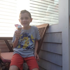 Photo taken at Ptown Scoop by Gabrielle K. on 8/14/2014