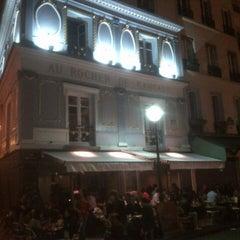 Photo taken at Au Rocher de Cancale by Mathieu R. G. on 9/17/2012
