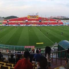 Photo taken at 광양축구전용구장 (Gwangyang Football Stadium) by 웃는사람_ 라. on 7/5/2015