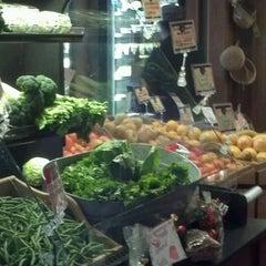 Photo taken at Stoneybrook Farm Market by Rickyrod on 12/24/2012