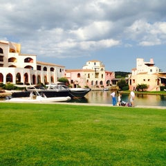 Photo taken at Hotel Cala di Volpe, Costa Smeralda by Le😍p☀🏄💀 S. on 8/3/2014