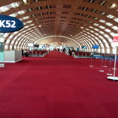Photo taken at Aéroport Paris-Charles de Gaulle (CDG) by Cristian L. on 11/9/2013