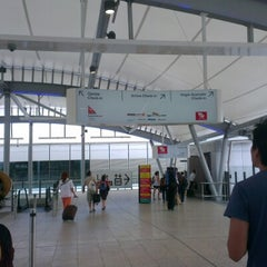 Photo taken at Brisbane Airport (BNE) by SYaZaMaRTiN on 11/21/2012