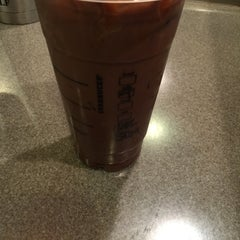 Photo taken at Starbucks by Kee F. on 10/26/2014
