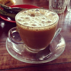 Photo taken at Solong Coffee by Dinda Da'ana R. on 3/30/2013