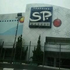 Photo taken at Shopping SP Market by Dácio S. on 12/29/2012