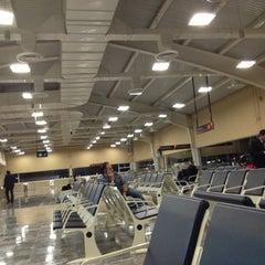 Photo taken at Aeropuerto Internacional de Guanajuato (BJX) by Leonardo on 2/18/2013